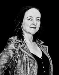 Gitte Kampp bassist i kvinderockbandet Ruth To Hell